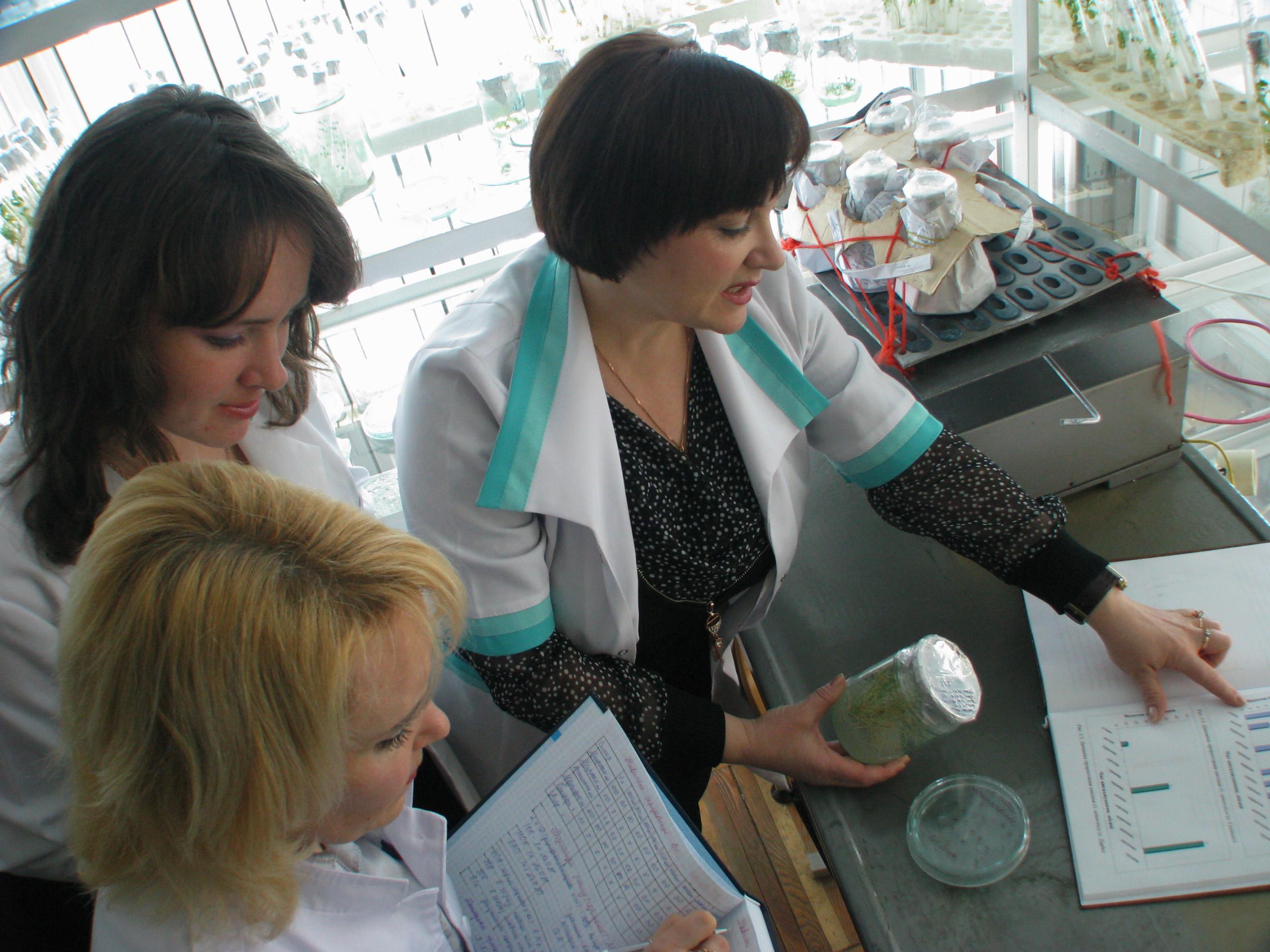 У лабораторії екології та біотехнології