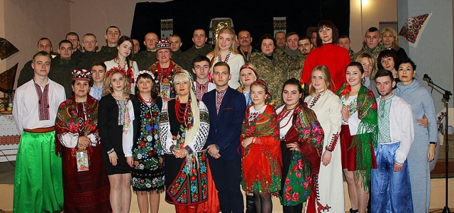 Фото з гостями вечорниць