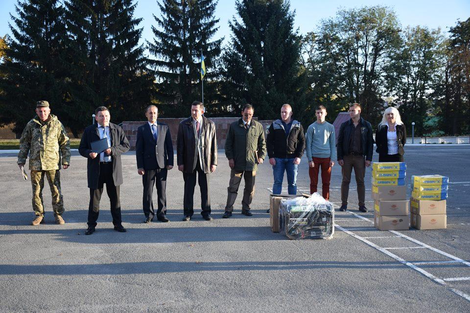 Представники ТНПУ ім.В.Гнатюка привітали військових з Днем захисника України
