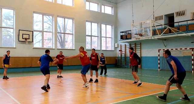 Першість університету з баскетболу